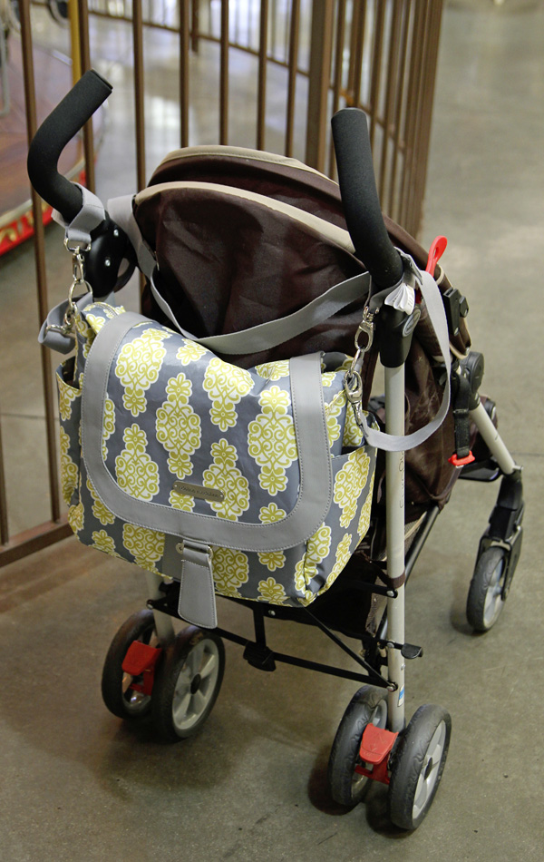 stroller hooks for diaper bags images. Black Bedroom Furniture Sets. Home Design Ideas