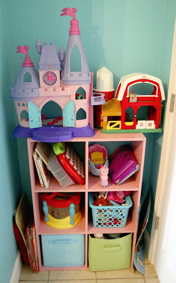 Bella's Toys - School Room